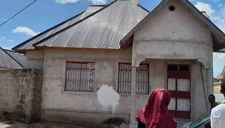 tangazo nyumba ya vyumba vitatu ina uzwa bei poa kabisa milioni ( 25 ) ipo mbagala chamazi